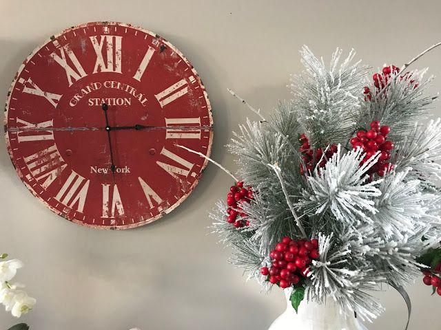 Honey I'm Home: Red & White Traditional Christmas Decor
