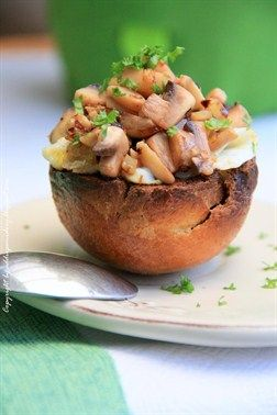 Eggs in the shells of baked rolls with mushrooms - Cooklet