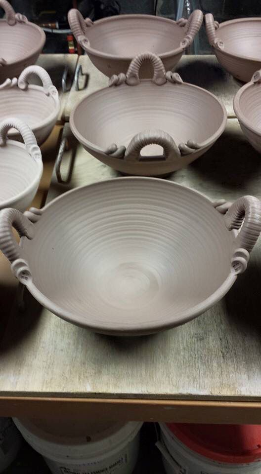 Great bowl shape love the handles