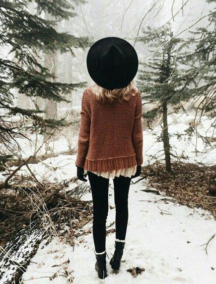 Фетровая шляпа со свитером