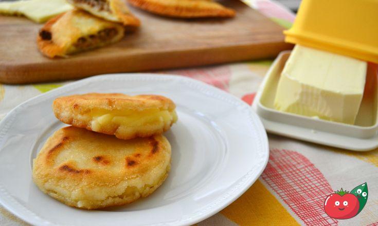 Arepas al formaggio - Ricetta colombiana