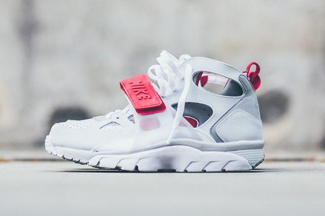 NIKE AIR TRAINER HUARACHE (WHITE/UNIVERSITY RED) - Sneaker Freaker
