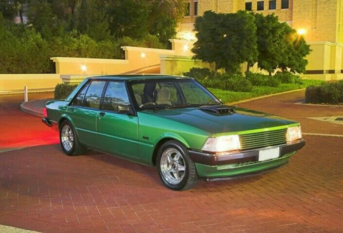 Green XD Ford Falcon shaker