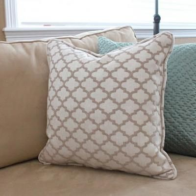 How to Make Pillows with Piping {sewing how to} Cottage ...