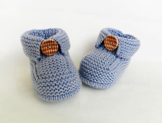 Bu yazımızda sizlere örgü ile örülmüş yeni model en güzel bebek patikleri, bebek çoraplarını ve bebek ayakkabılarını derledik. Her biri birbirinden güzel bu örgü modellerini sizlerde çok seveceksiniz. YouTube kanalımızda yakında farklı bebek patik örgü modelleri de paylaşacağız. Daha önce izlemediyseniz aşağıda bebek patiği nasıl örülür başlıklı youtube videomuzu izleyebilirsiniz.            Sorularınız olursa videonun altında ki yorum bölümüne yazabilirsiniz. Eklediğimiz videolarımızı…
