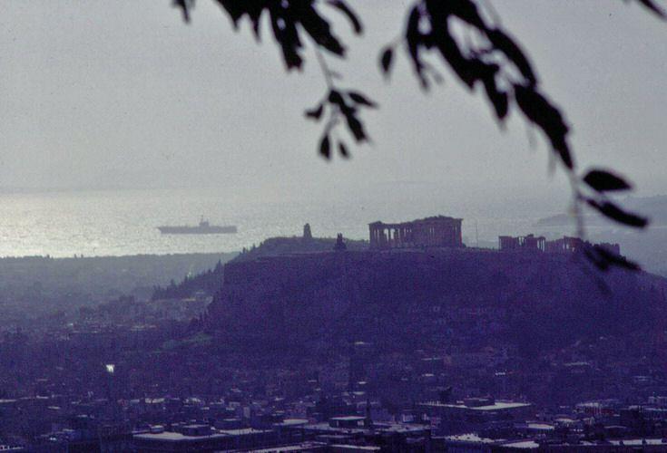Αθήνα φωτογραφημένη απο το Λυκαβηττό, 1960