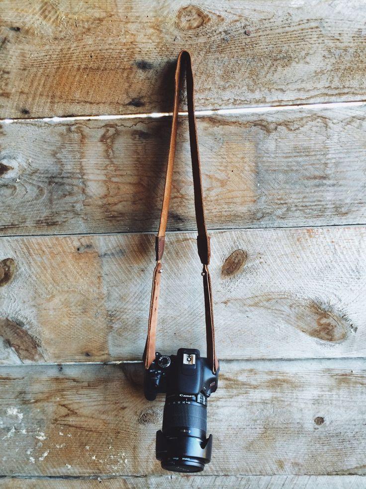 courroie de l'appareil personnalisable cuir rustique / / ciré, taillés à la main brun cuir bracelet cuir / / cousu main / / réglable boucle d'attache par LOVETHEHUSTLE sur Etsy https://www.etsy.com/fr/listing/213428328/courroie-de-lappareil-personnalisable