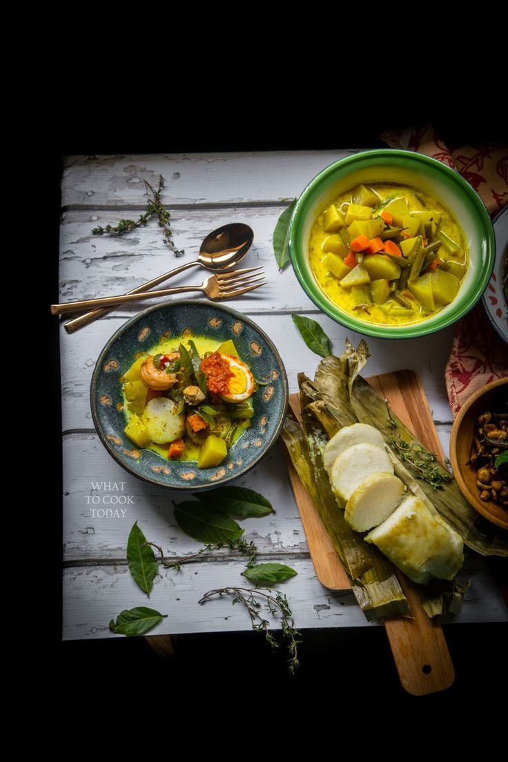 How to prepare lontong sayur medan (Medanese rice cakes with savory dishes) #lontong #indonesianrecipes