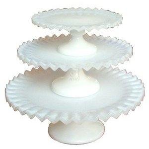white ruffled cake plate