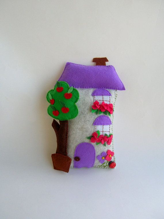 Felt House  wall ornament by Lilamina on Etsy, $14.90