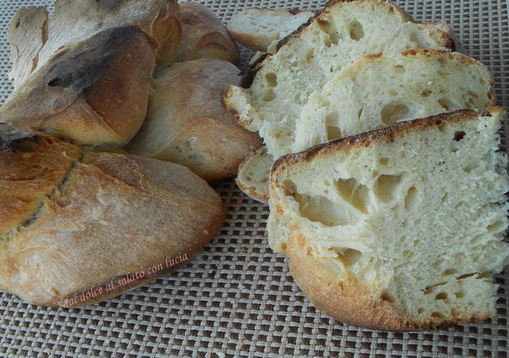 Il pane di Matera o cornetto materano