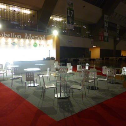 Renta de mobiliario para stands, tenemos todo tipo de mobiliario para tu expo www.displayart.com.mx