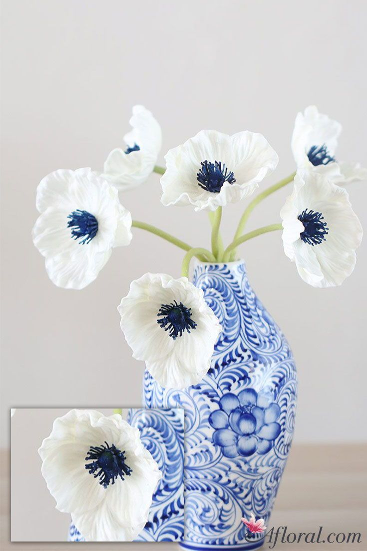 Real Touch Poppy Bundle In White With Navy Center 12