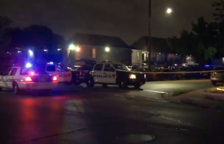 Houston: police are looking for five suspects believed to be involved in two separate robberies and a shooting near the City of Bellaire overnight