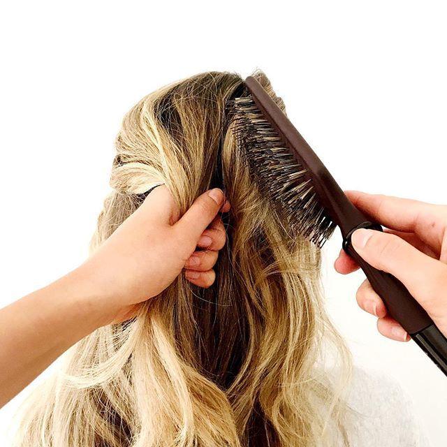 No frizz hair brush.