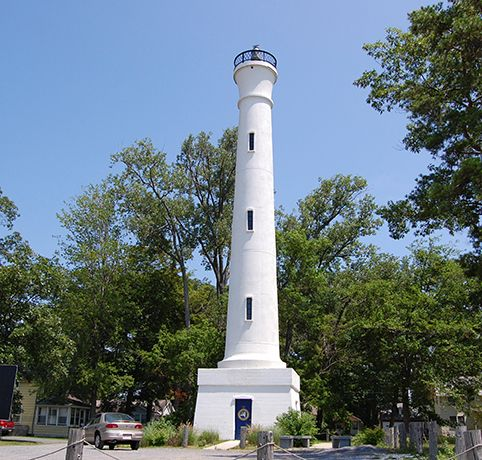 Verona Beach Lighthouse, 75 feet tall and built in 1915   Verona Beach, NY #oneidacountyny