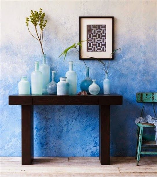 A ragged, 'ombre' effect to this painted wall - You can achieve this effect with sponges
