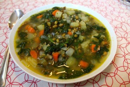 Sopa de judia mungo con verduras, plato completísimo : Brotes y Semillas