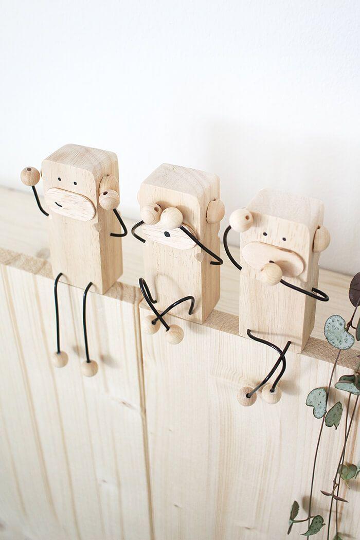 Hágalo usted mismo: tres monos como decoración y regalos hechos de madera y alambre