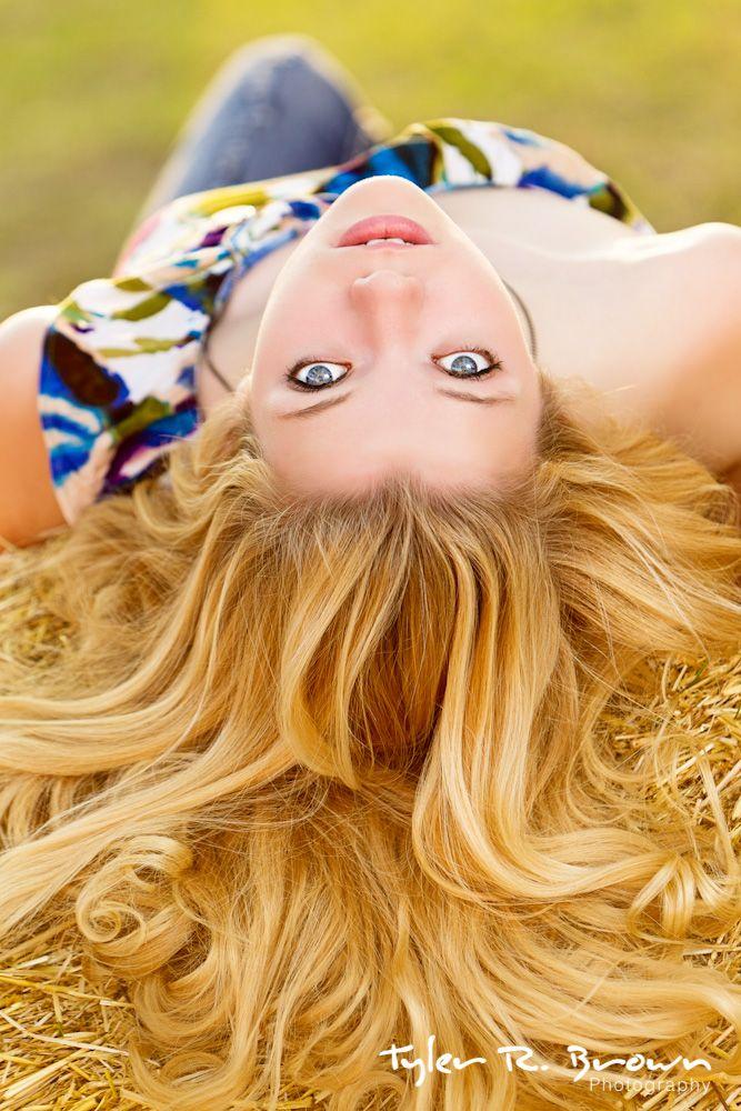 @Lauren Dyer - Ursuline Academy of Dallas - High School - #seniorportraits - Fall - Hay Bale - Downtown McKinney - Texas - Pretty Eyes - Tyler R. Brown Photography