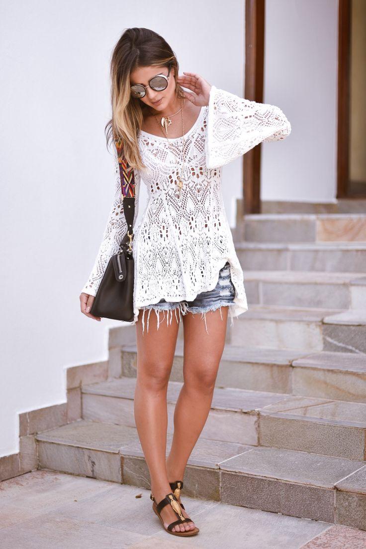 Meninas, já falei aqui pra vocês mil vez que AMO tricô e é verdade hehehhe. Além dele ser o tecido queridinho do verão na minha opinião um look básico cresce com uma peça em tricô! Por isso escolhi montar um look confortável e mega estiloso, com o combo que amo: tricô + jeans. A bata … Continuar lendo Meu look – Comfy & Style!