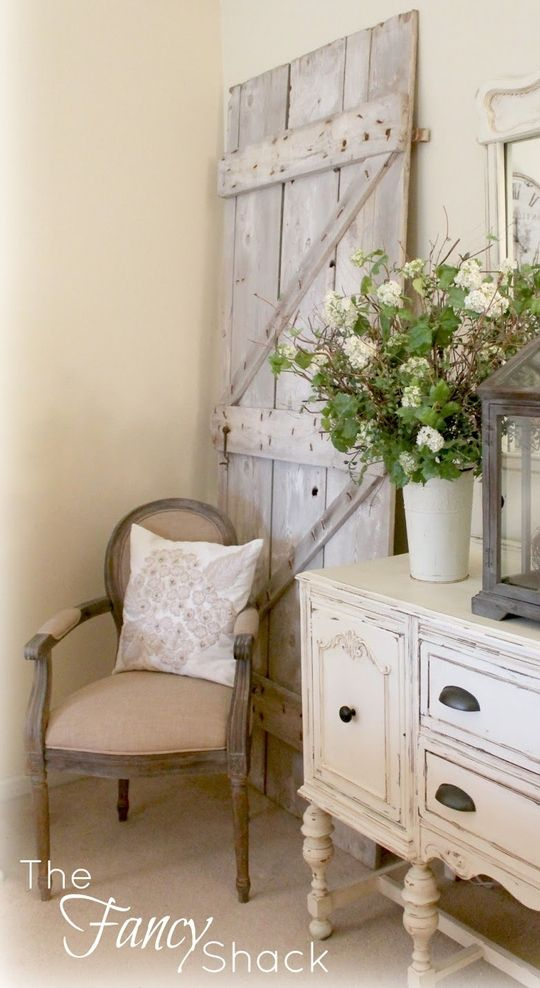 TheWindyLilac.com-Sharing All Things Home-FARMHOUSE DECOR-like the barn door used as decor piece
