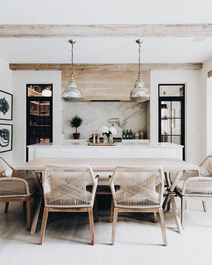woven string chairs wooden oven hood #texturekitchen #naturalwoodkitchen