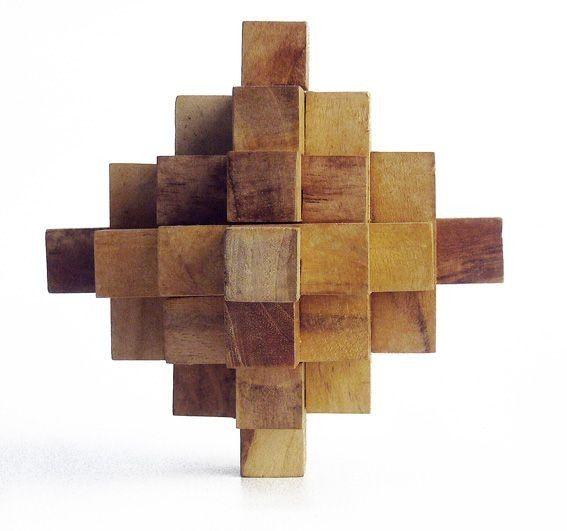 Puzzle de madera  big crystal http://www.puzzlesingenio.com/juegos-madera-de-teca/186-puzzle-de-madera-big-crystal.html