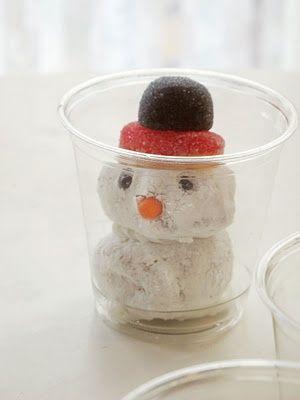 Donut Snowmen! love this idea as an edible craft for a classroom party