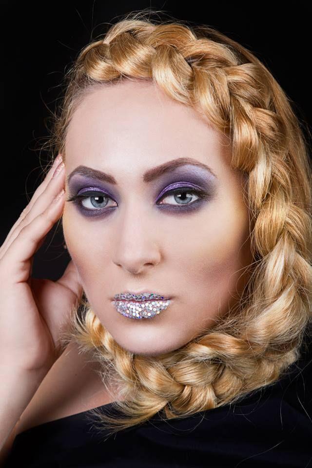 Look fantezist disco realizat in cadrul scolii Beauty&Color