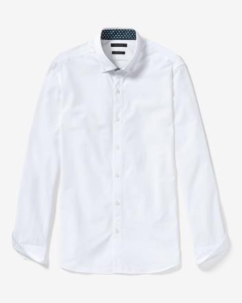 Fitted button collar dress shirt