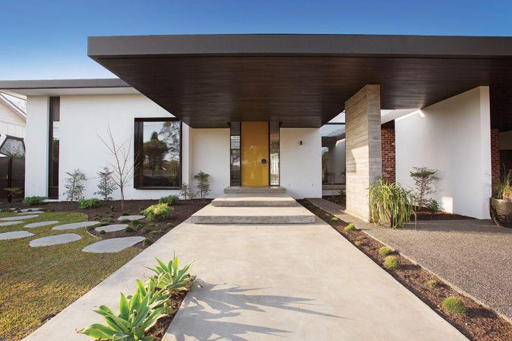 mckimm design - entry, Brighton residence.