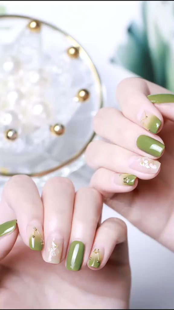 The Best Nail Art Designs. Flower nail art looks so cute! Follow the steps: cover your nails with white nail polish, using a simple marker, draw flowers. Choosing a small brush with a few drops of alcohol. Use the same nail art brush apply more marker on the top of your nail and enjoy the result -Peel-off manicure is a perfect solution for those who love glitter nail polish.