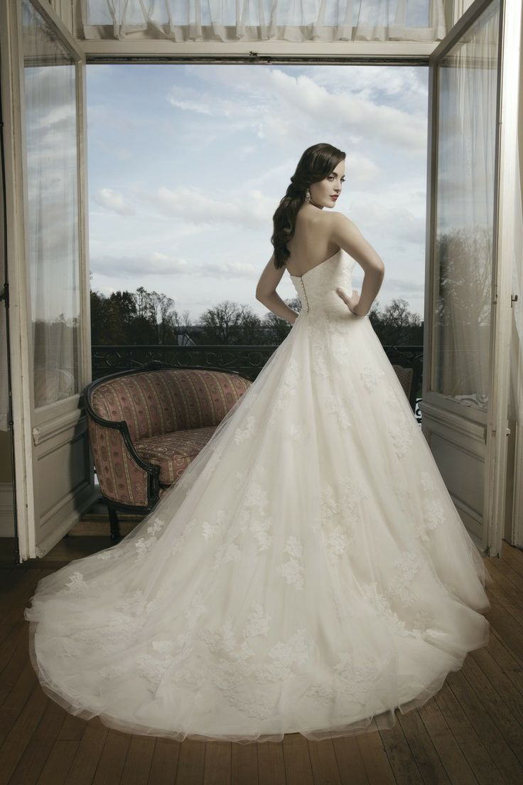 Feel like royalty in this circular cut tulle lace ball gown by @Justin Dickinson Alexander | So lovely! | #Weddings