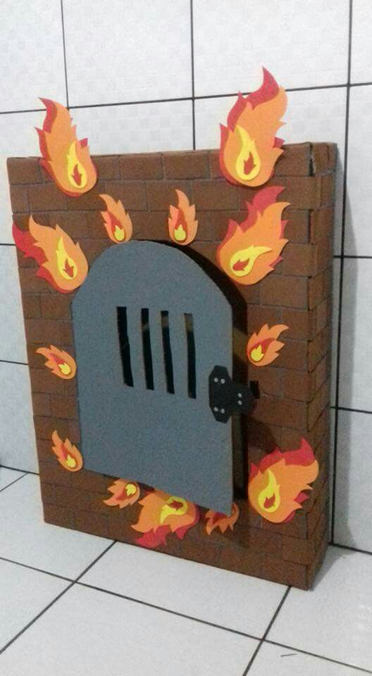 Craft idea for Shadrach, Meshach, and Abednego in the Fiery Furnace | King Nebuchadnezzar | Storytelling Prop