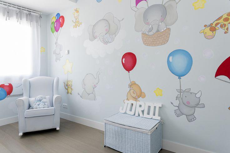 Pintura mural en habitación infantil.