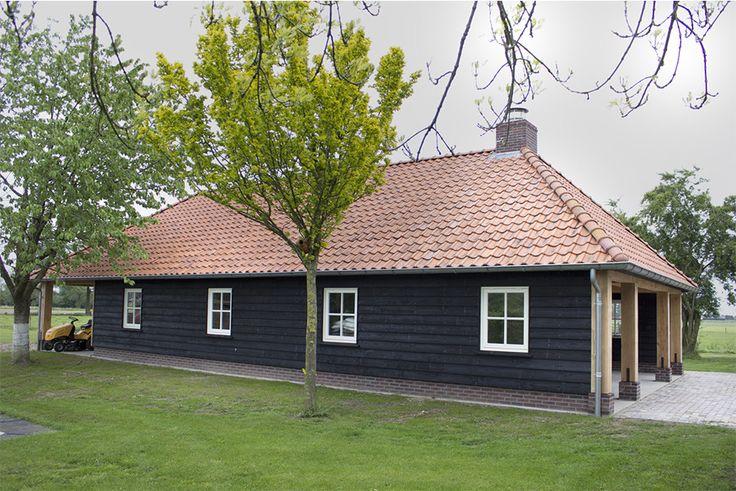 Bekijk onze gerealiseerde buitenverblijven van o.a. tuinhuizen en schuren. Wij ontwerpen en realiseren stijlvolle bijgebouwen met een landelijke uitstraling