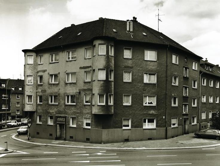 Thomas Struth - Leipziger Strasse Essen (1989)