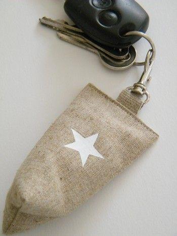 Image of Porte clés berlingot lin (étoile)