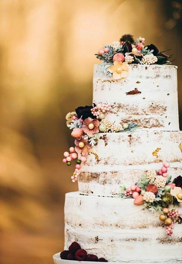 Голый торт с осенними цветами