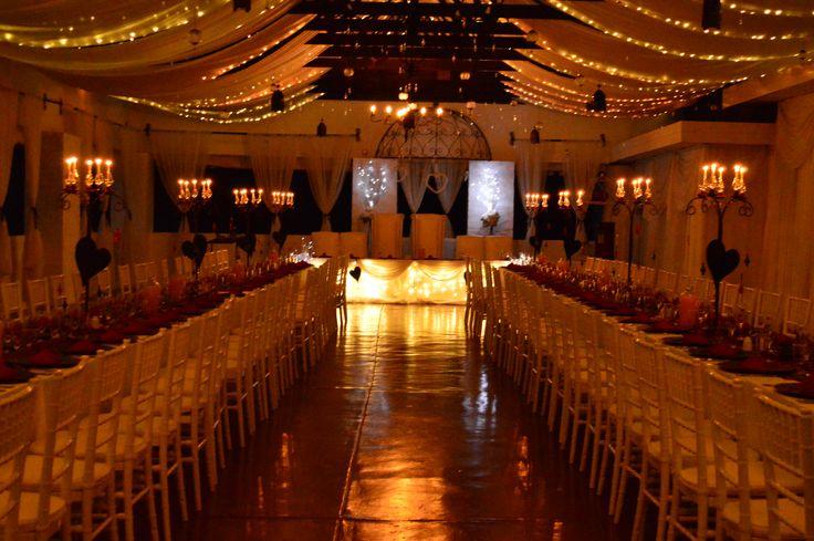 Long Fete Tables are trending! #casablancamanor #saweddings #gautengweddingvenue #romanticweddings