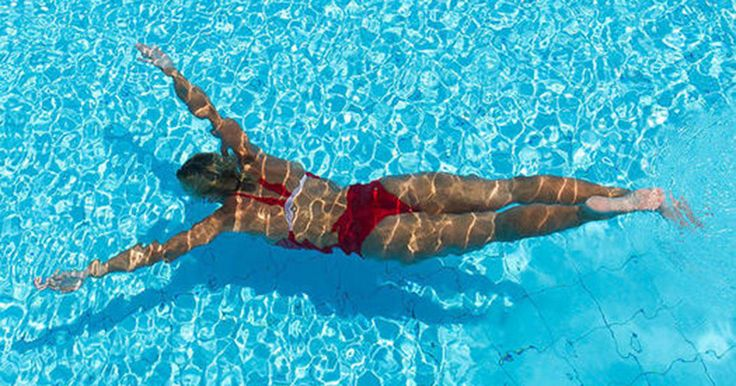 Swimming can make over your muscles, transform you into a cardio goddess, and turn back the aging clock. Check out these awesome benefits of swimming.