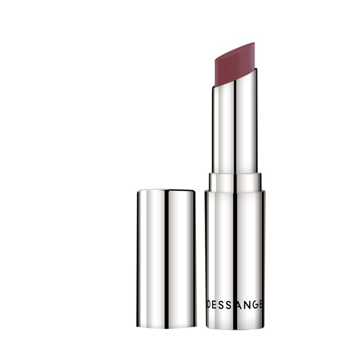 ROUGE'STUDIO: Nude-effect lip gloss - Rouge nude. These lip glosses have a soft, creamy texture, enveloping and coloring the lips with a veil of increased natural light. Three shades are available and can be chosen depending on its lip tone. Recommended retail price: 26 euros. #DESSANGE #Collection #Makeup #FallWinter #LightOfShadows #GlobalBeauty
