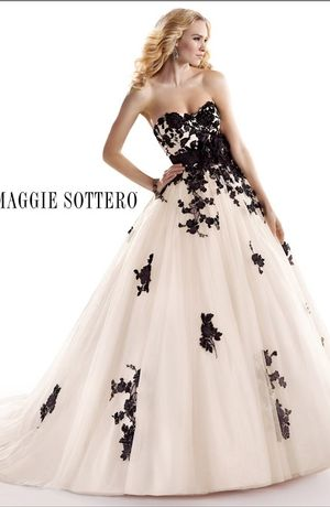 Maggie Sottero - Sweetheart Ball Gown in Tulle
