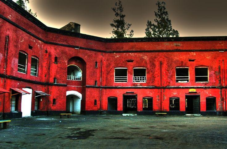 Foto Dinding Benteng Van Der Wijk Gombong