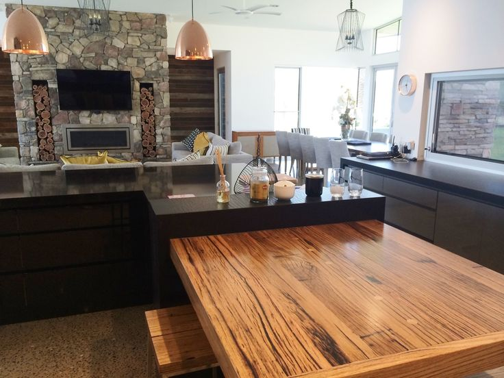 Having manufactured thousands of Recycled timber bench tops and solid timber tables for both commercial and private customers Australia wide, Nullarbor Timber continue to produce a high quality specialised product.