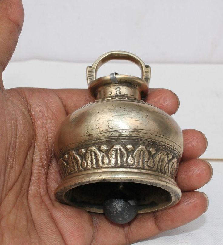 Rare Antique Vintage Beautiful Shape and Design COW / OX Brass NECK BELL.