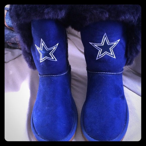 Dallas Cowboys boots Size 8. Got them as a gift. Worn once. Excellent condition! Dallas Cowboys Shoes Winter & Rain Boots