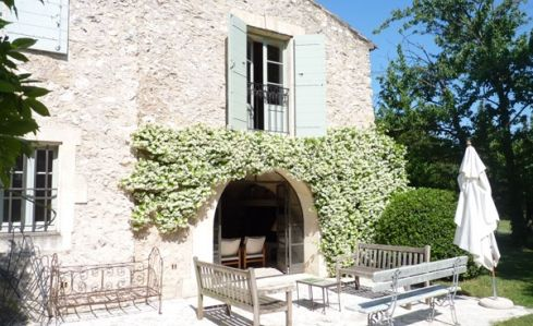 Eygalières | Farmhouse | Provence/Cote d'Azur | Bouche du Rhone | South of France and the Riviera | Restored farmhouse in charming village of Eygalières. With private swimming pool set within its own garden | Sleeps 9 | #holidayrentals #frenchmaison #eygalières #farmhouse #provence #bouchedurhone #southoffrance #riviera #garden #pool #holiday #france