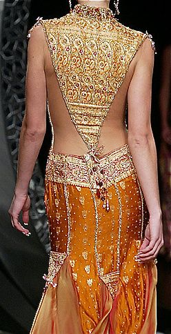 Ella Zahlan #bollywood #kundan #embroidery #indian #desi #wedding #bride #bridal #gown #hair #makeup #jewellery #fashion #couture #delhi #dress #runaway